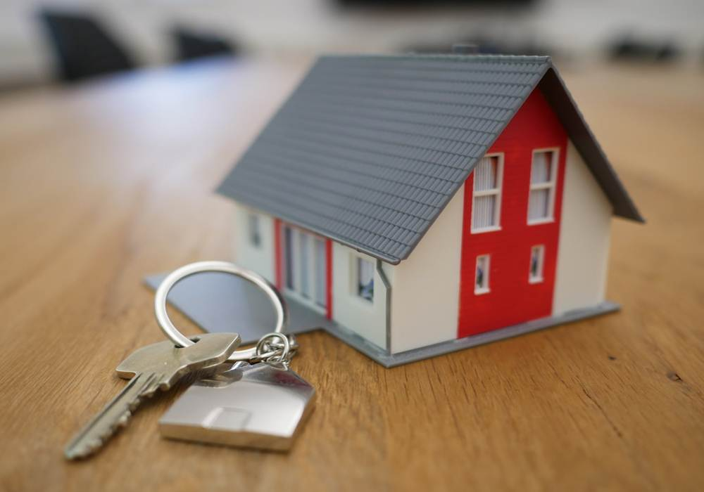 toy house and keys - how to maximize your home sale price